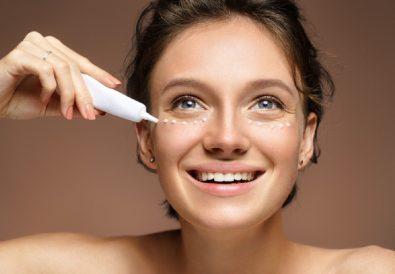 Jak nawilżyć skórę pod oczami